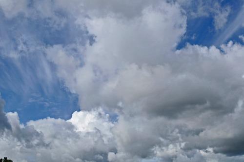 Clouds06_07_11